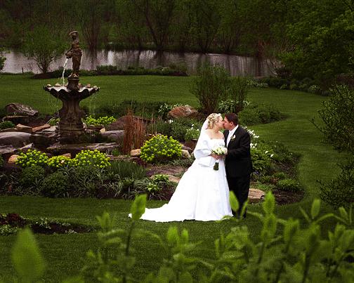 couple-maries-jardins-auberge-des-gallant-3