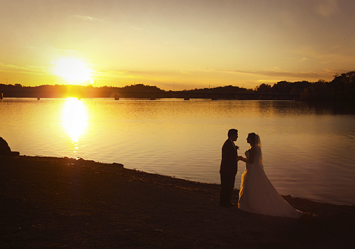 couple-maries-plage-soleil